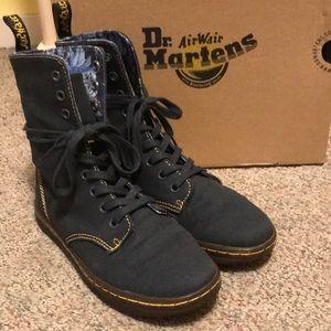 Dr. Martens Air wave  boots